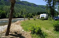 Sunny pitches at riverside - Camping Bords du Tarn - Gorges du Tarn